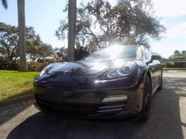 2011_Porsche_Panamera_2_ Hollywood FL