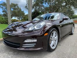 2011_Porsche_Panamera_4S_ Hollywood FL