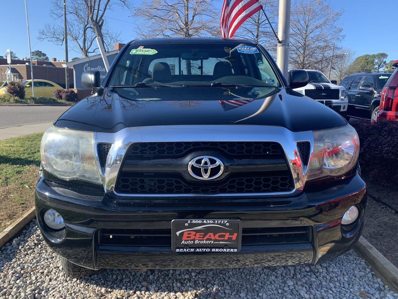 2011 TOYOTA TACOMA TRD OFF ROAD DOUBLE CAB 4X4, WARRANTY, DVD PLAYER, BLUETOOTH, AUX/USB PORT, BACKUP CAM, TOW PKG! Norfolk VA