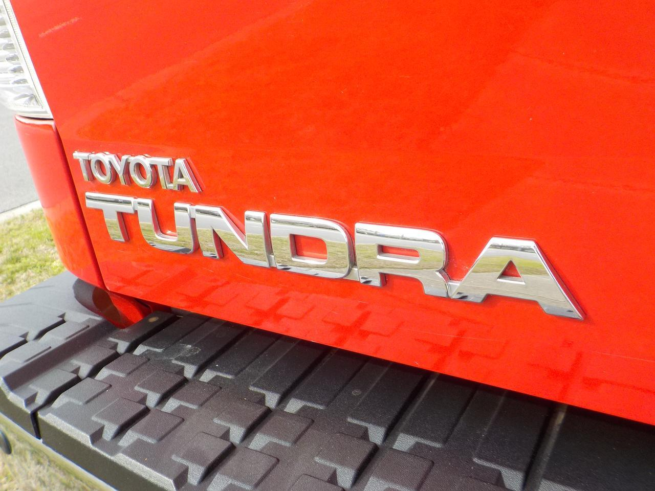 2011 TOYOTA TUNDRA LIMITED CREWMAX 4X4, WARRANTY, PARKING SENSORS, BLUETOOTH, NAVIGATION, HARD TONNEAU COVER, SUNROOF! Virginia Beach VA