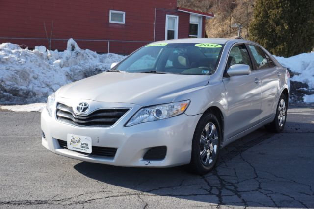 2011 Toyota Camry Base 6-Spd AT Schuylkill Haven PA