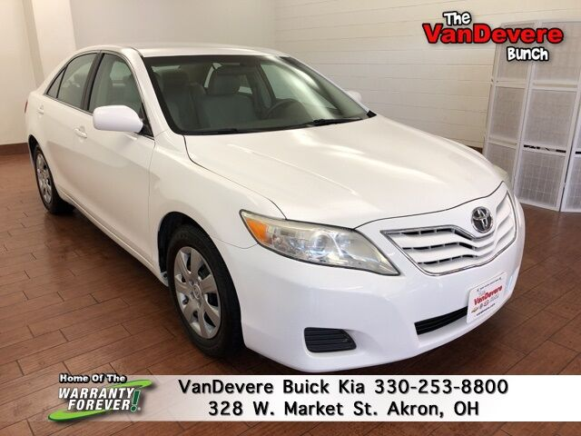 2011 Toyota Camry LE Akron OH