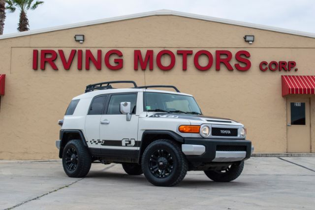 2011_Toyota_FJ Cruiser_4WD AT_ San Antonio TX
