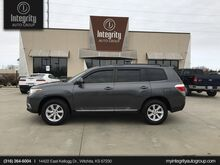 2011_Toyota_Highlander_Base_ Wichita KS