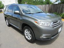 2011_Toyota_Highlander_Base_ Chantilly VA