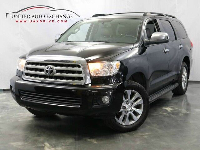 2011 Toyota Sequoia Ltd / 5.7L i-Force V8 Engine / 4WD / Sunroof / Navigation / Parking Aid with Rear View Camera Addison IL