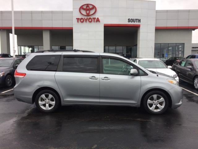 2011 Toyota Sienna 5dr 8-Pass Van V6 LE FWD Lexington KY