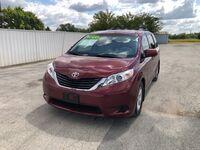 Toyota Sienna LE AAS 2011