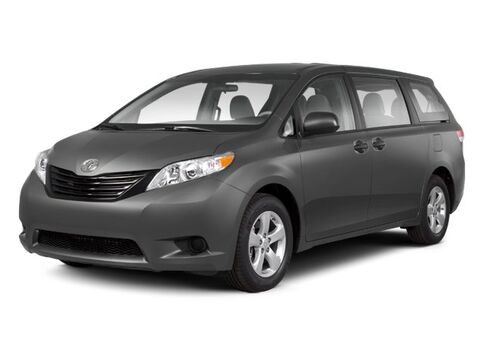 2011_Toyota_Sienna_LE_ North Kingstown RI
