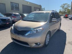 2011_Toyota_Sienna_XLE_ Cleveland OH