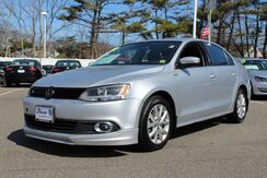 2011_Volkswagen_Jetta Sedan_SE w/Convenience & Sunroof PZEV_ West Islip NY