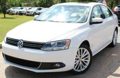 2011 Volkswagen Jetta w/ NAVIGATION & LEATHER SEATS