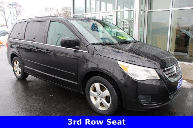 2011 Volkswagen Routan SE Green Bay WI