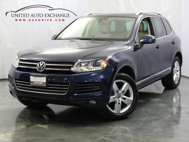 2011 Volkswagen Touareg Exec Diesel / AWD / Panoramic Sunroof / Front and Rear Parking Aid / Navigation / Bluetooth Addison IL