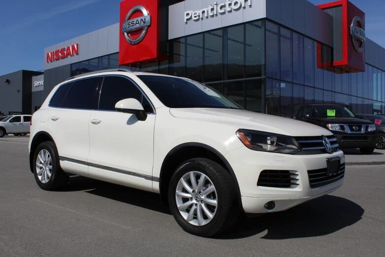 2011 Volkswagen Touareg Execline, AWD, w/ Navigation, Bluetooth, Locally Driven Kelowna BC