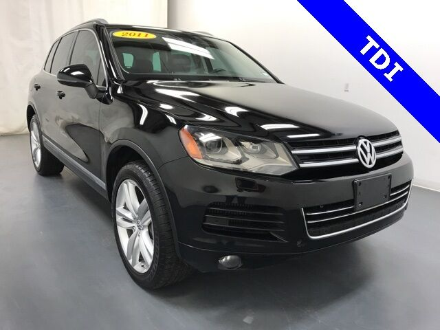 2011 Volkswagen Touareg V6 TDI Executive Holland MI