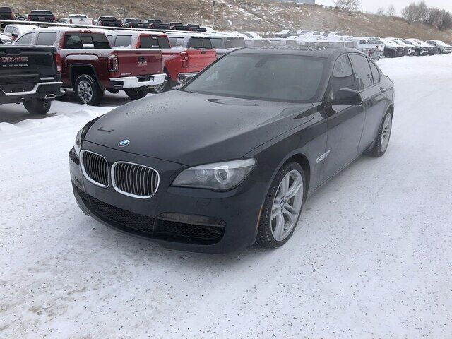 2012 BMW 750i xDrive | Leather | Heated Seats | Sunroof Calgary AB