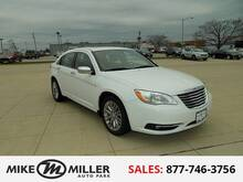 2012_Chrysler_200_Limited_ Peoria IL