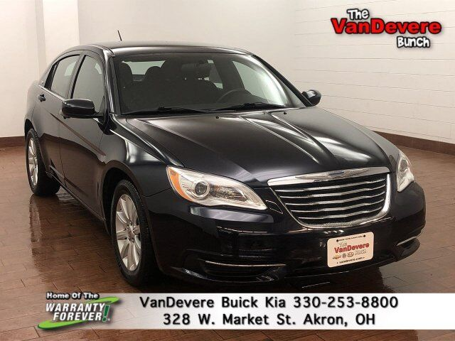 2012 Chrysler 200 Touring Akron OH