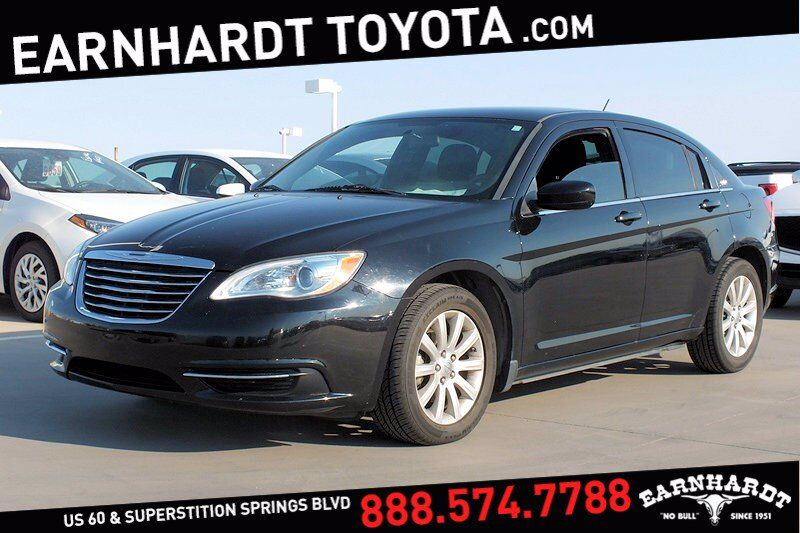 2012 Chrysler 200 Touring *Well Maintained!*