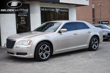 2012_Chrysler_300__ Conshohocken PA
