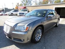2012_Chrysler_300_Limited RWD_ St. Joseph KS