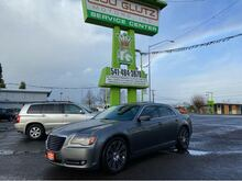 2012_Chrysler_300_S V6 RWD_ Eugene OR