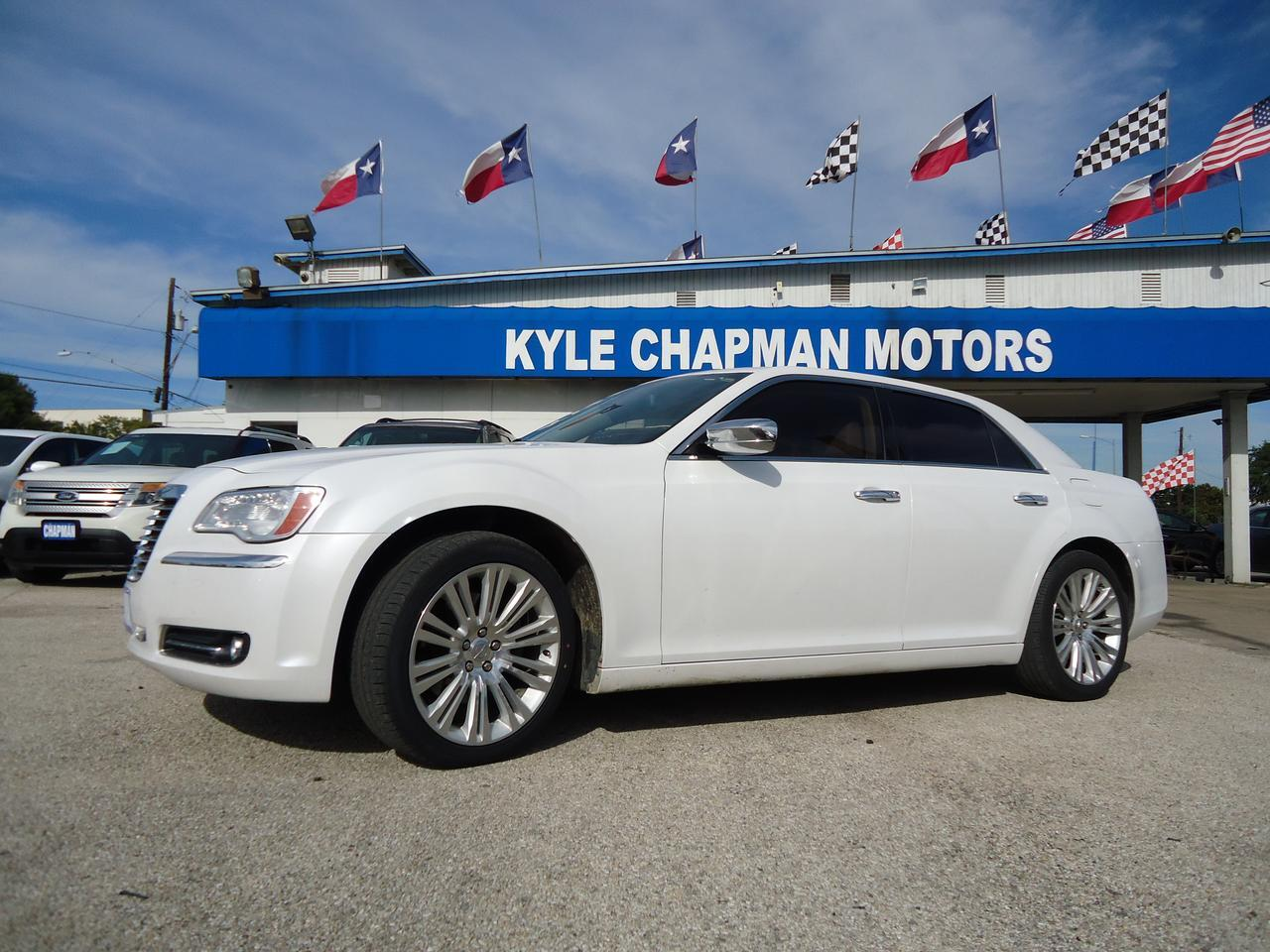 2012 Chrysler 300C Leather Seats-CD-AUX-USB-NAV-BLUETOOTH-BACKUPCAM