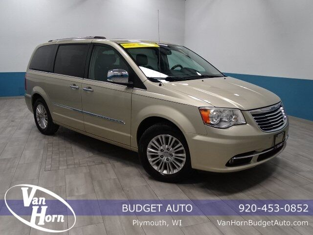 2012 Chrysler Town and Country Limited Plymouth WI
