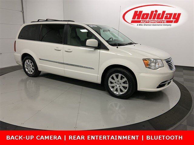2012 Chrysler Town & Country Touring Fond du Lac WI