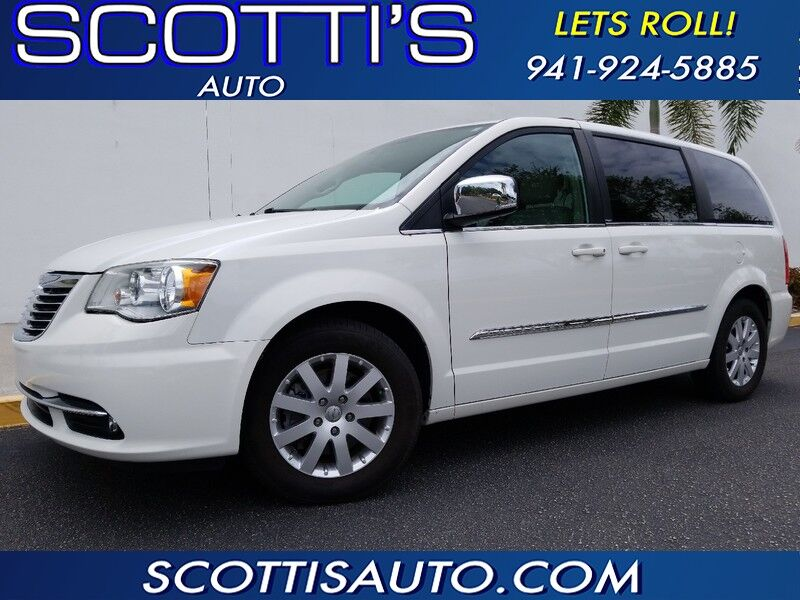 2012 Chrysler Town & Country Touring-L 1-OWNER! CLEAN CARFAX! FULLY LOADED~ NICE!