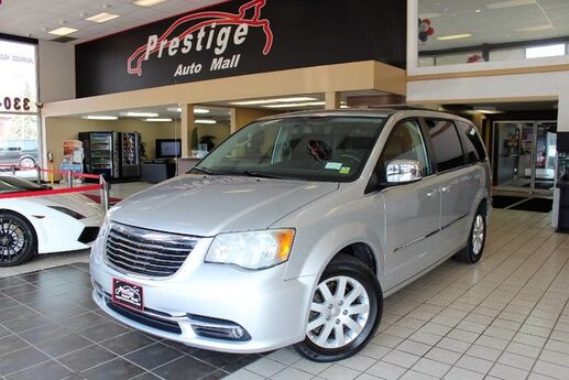 2012 Chrysler Town & Country Touring-L Cuyahoga Falls OH