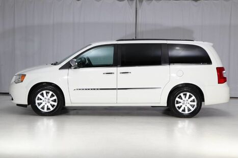 2012_Chrysler_Town & Country_Touring-L_ West Chester PA