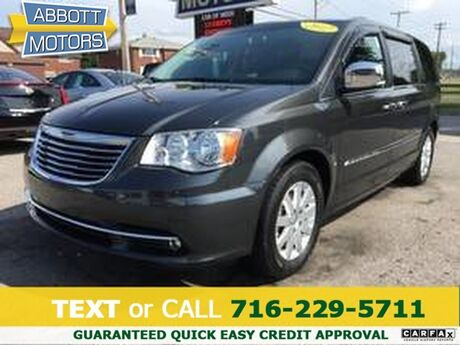 2012 Chrysler Town & Country Touring-L w/Heated Leather Buffalo NY