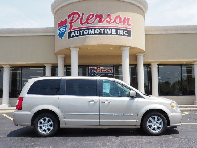 2012 Chrysler Town & Country Touring Middletown OH