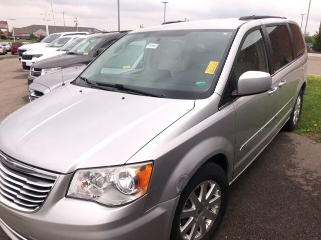 2012 Chrysler Town & Country Touring Plymouth WI