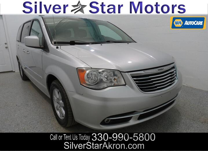 2012 Chrysler Town & Country Touring Tallmadge OH