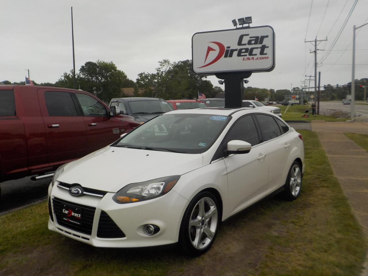 2012 FORD FOCUS TITANIUM, SUNROOF, NAVIGATION, AUX PORT, BLUETOOTH WIRELESS, PARKING SENSORS, TINTED WINDOWS!