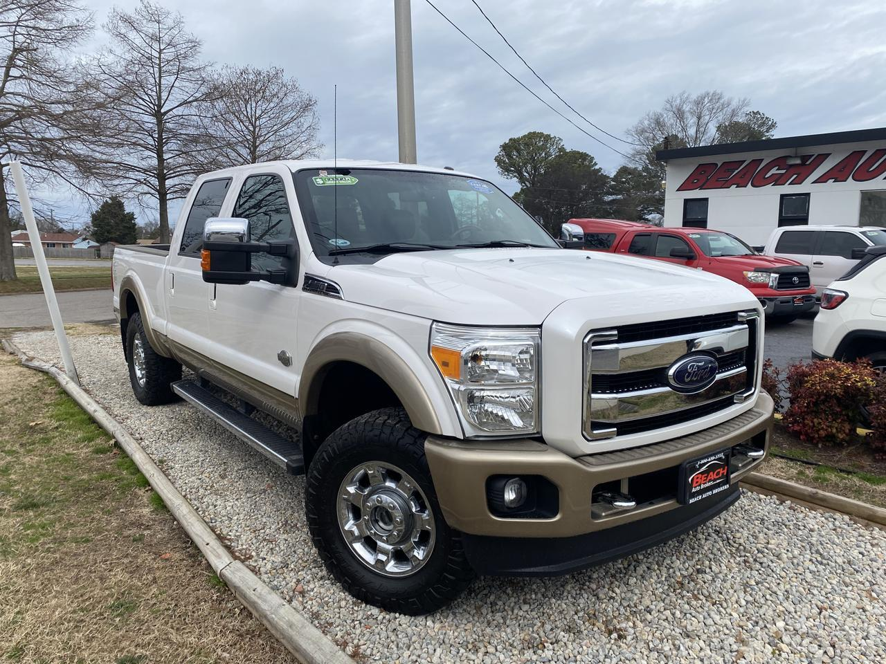 2012 FORD F-250 SD KING RACH CREW CAB 4X4, WARRANTY, LEATHER, SUNROOF, HEATED SEATS, BACKUP CAM, PARKING SENSORS!