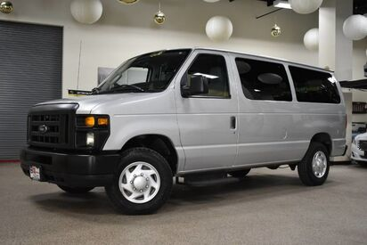 2012_Ford_Econoline_E-350 12 Passenger_ Boston MA