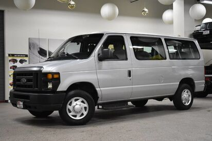 2012_Ford_Econoline_E-350 XL 12 Passenger_ Boston MA