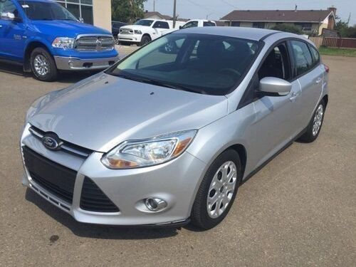 2012_Ford_Focus_SE Hatchback Auto_ Redwater AB