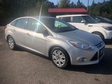 2012_Ford_Focus_SE Sedan_ Gaston SC