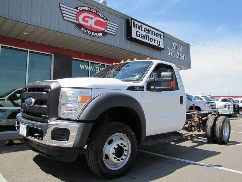 2012 Ford Super Duty F-550 DRW V10 XL
