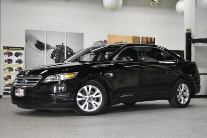 2012_Ford_Taurus_SEL_ Boston MA
