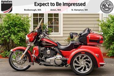 2012_Harley-Davidson_FLHTCUTG_Triglide Ultra Classic_ Boxborough MA