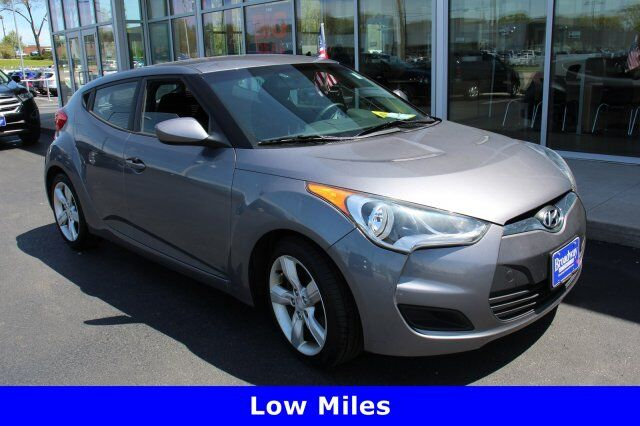 2012 Hyundai Veloster w/Black Int Green Bay WI