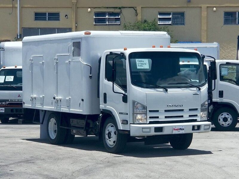 2012 Isuzu NRR 12' Ice Cream Freezer truck