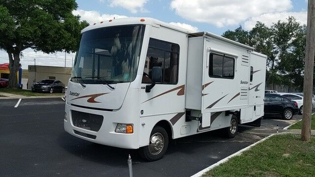 2012 Itasca Sunstar 26HE Ford V10 1 SLIDE Sleeps 4