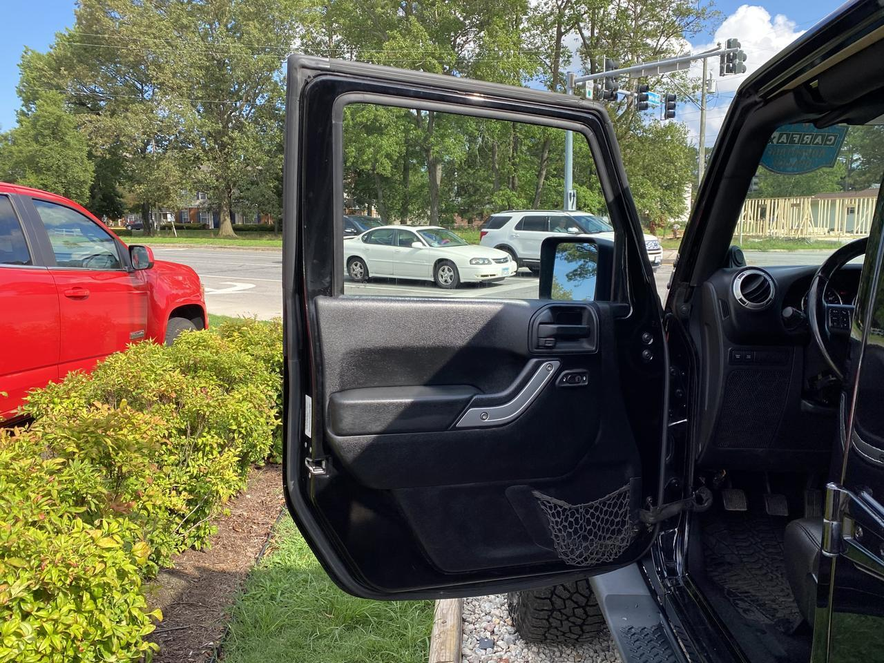 2012 JEEP WRANGLER UNLIMITED RUBICON 4X4, WARRANTY, MANUAL, HARD TOP, NAV, LEATHER, HEATED FRONT SEATS, CLEAN CARFAX! Norfolk VA
